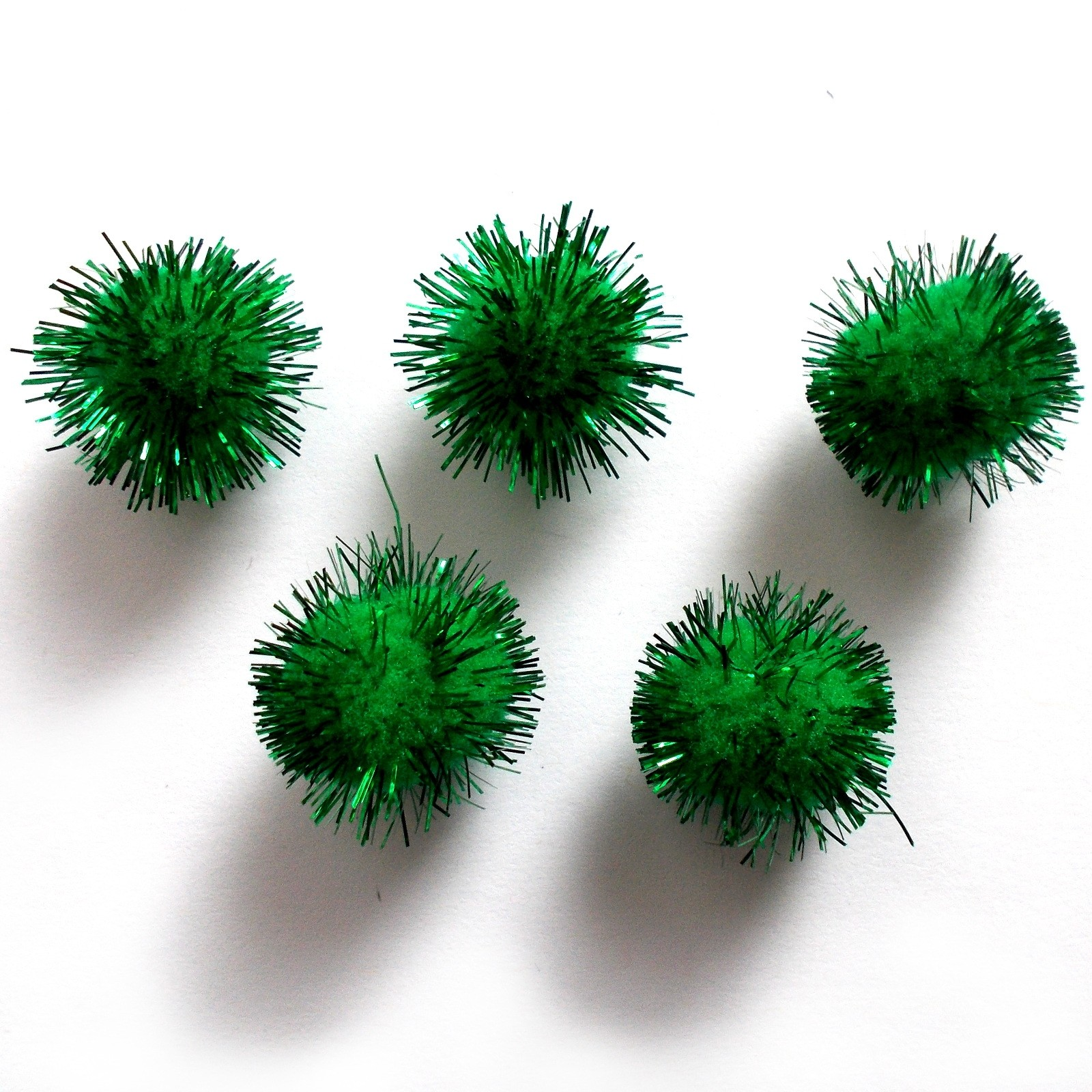 Metallic Pom Poms 25mm Green Pack of 5
